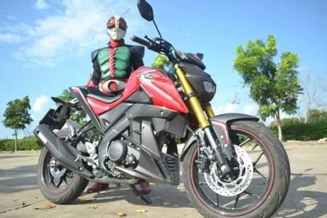 Yamaha xabre kamen rider 1