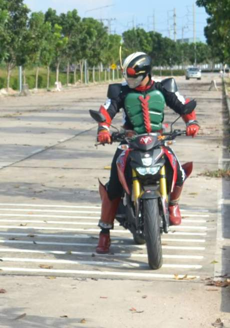 Yamaha xabre kamen rider