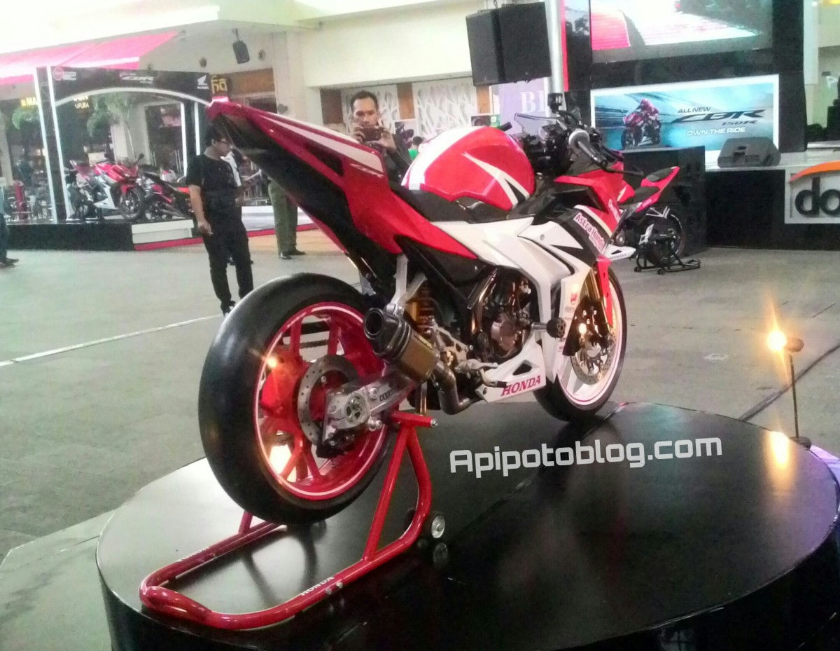 Intip Ditail Modifikasi New CBR150R , Gaya Racing Ala Team AHRT