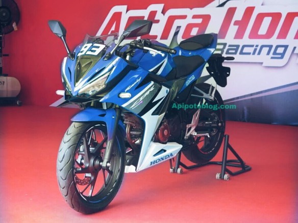 CBR150R warna cat biru