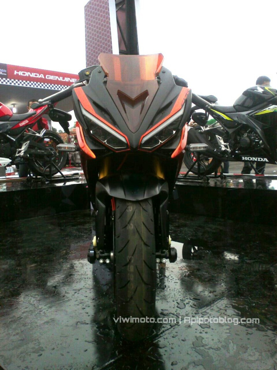 Ditail Modifikasi All New CBR150R Tampil Garang Dengan Mono Arm..!