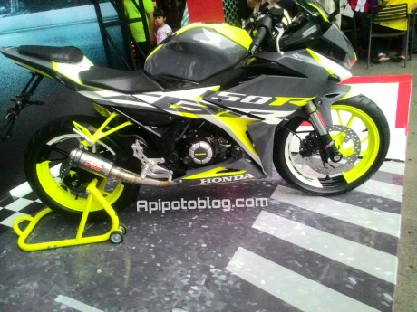 Modifikasi All new CBR150R hijau stabilo