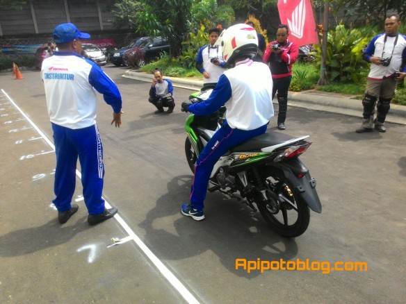 Safety riding Wahana Makmur Sejati 098