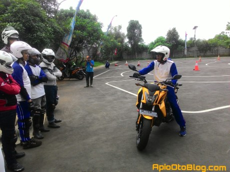 Safety riding Wahana Makmur Sejati Blogger