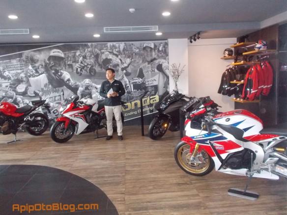 memiliki 7 line up utama, yaitu Honda CBR1000RR superbike, Honda CB500X Tourer, CBR500RR, CB500F serta CBR650F dan CB650F, juga honda Vultus.