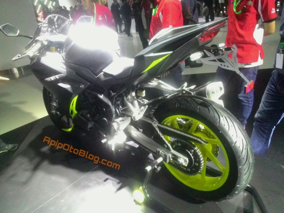 all new cbr250rr grey green