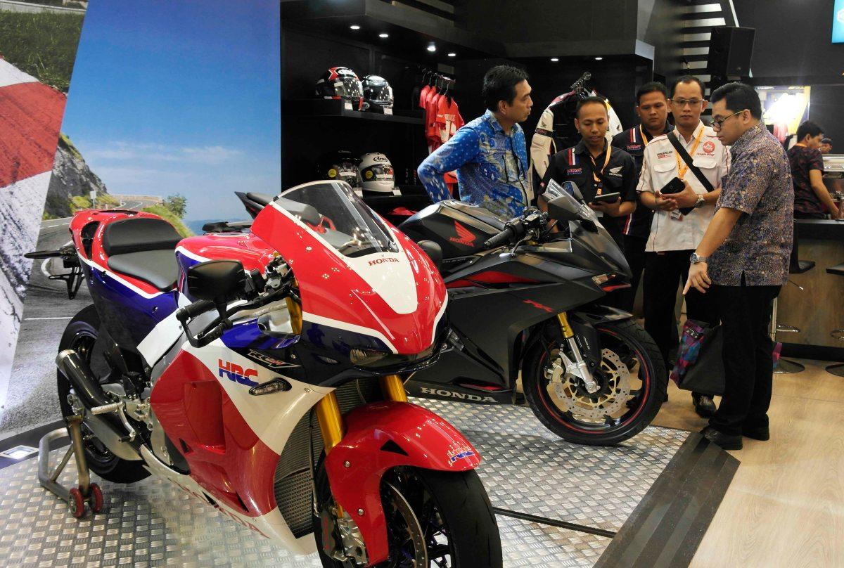 Moge Honda Ludes Terjual 29 Unit .. Honda CBR250RR Di Pesan 86 Unit Di GIIAS 2016 Boking Online1.289 orang..!