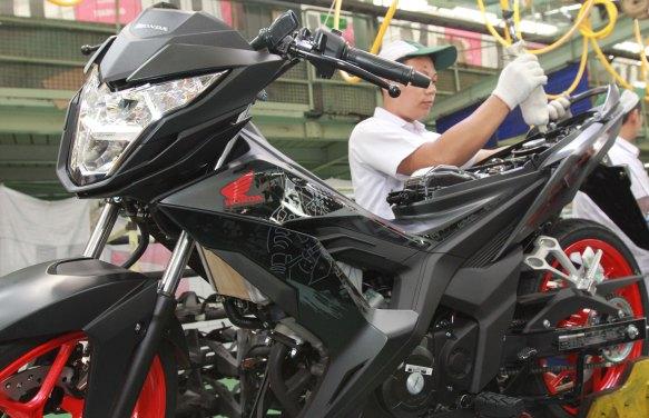 Honda sonic hitam doff